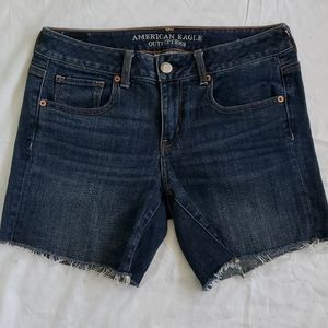 A&E Outfitters   Midi Jeans shorts size 10
